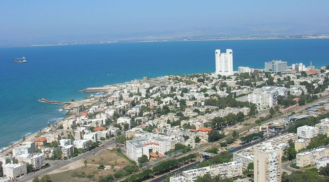 על יזמים, תושבים והמשחק הכפול של עיריית חיפה: המקרה של חוף בת גלים