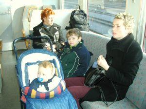 אני והילדים מתנועעים בשוויץ. הקלות הבלתי נסבלת של חיי הנוחות האמיתיים