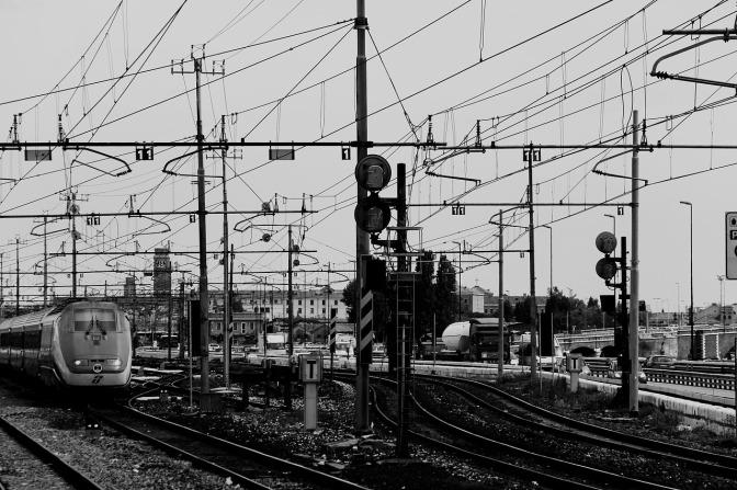 """""""חיים בחיפה"""" מציגים למועצה הארצית פתרון יצירתי וישים לסילוק מסילות הרכבת מחופי חיפה.  בישיבה התברר שלרכבת ישראל עדיין אין פתרון לבעיה"""