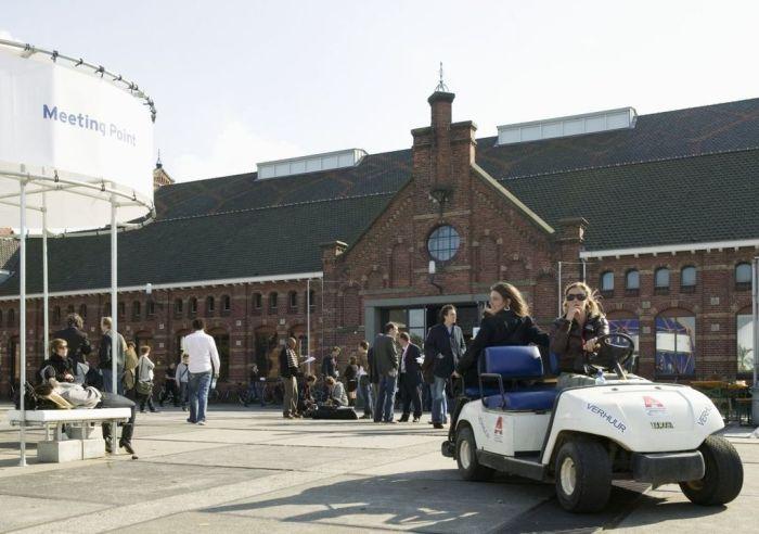 Recreatie_op_het_terrein_van_de_Westergasfabriek-_meetingpoint_aan_de_Pazzanistraat_-_Amsterdam_-_20413427_-_RCE